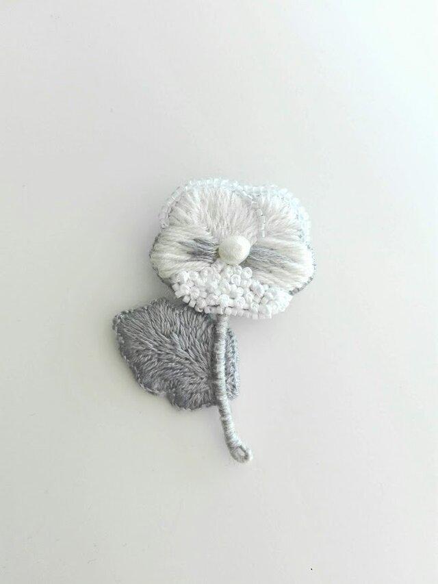 刺繍ブローチ ビオラの画像1枚目