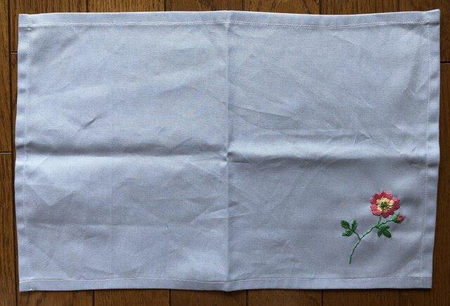 刺繍のランチョンマット☆野ばらの画像1枚目