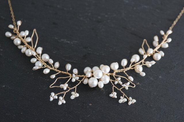 パールのベリーとカスミソウのゴールドネックレス ちょっと贅沢バージョン 14kgf Elegant Berryの画像1枚目