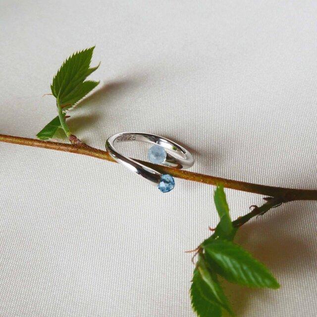 【送料無料】晴れやかブルー アクアマリン リング SV925 フリーサイズ 初夏の持ち物 夏の新作【保証書付】の画像1枚目