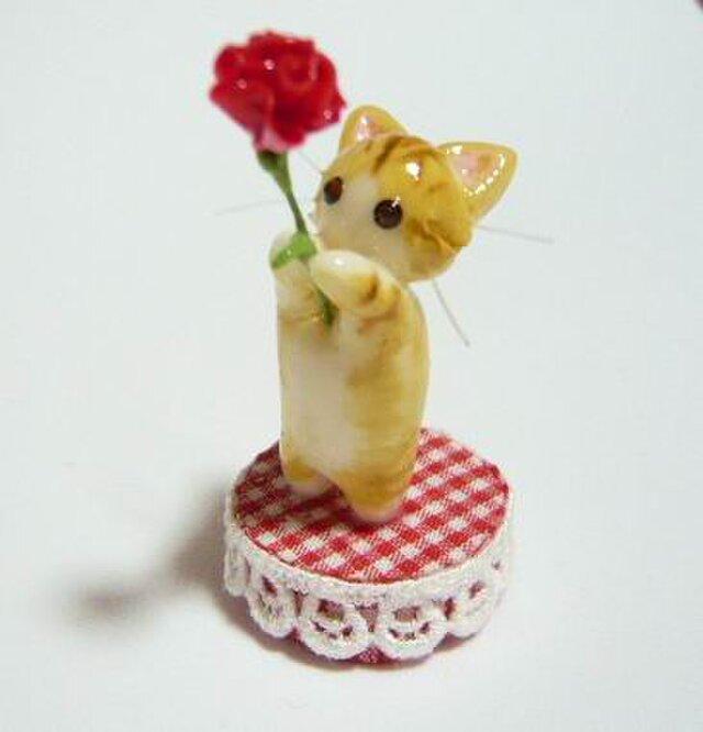 にゃんこのしっぽ〇母の日〇カーネーション〇猫〇ミニチュア〇ノルウェージャンの画像1枚目