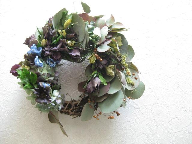 クリスマスローズとユーカリのwreathー春の庭の画像1枚目