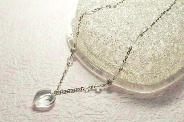 【母の日ギフト 5月10日まで  】4月の誕生石【幸運 恋愛運】 天然石 水晶 ハート ローズクォーツ ネックレスの画像1枚目