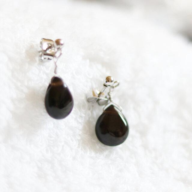 カンゴーム(黒水晶・モリオン)のスタッドピアス(12×9mm・サージカルステンレス)の画像1枚目