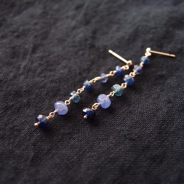 送料無料【K10】Blue stone mix earringsの画像1枚目