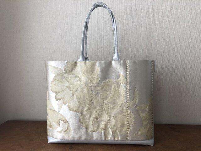 人気のシルバー帯リメイクバッグ 金糸花文様の画像1枚目