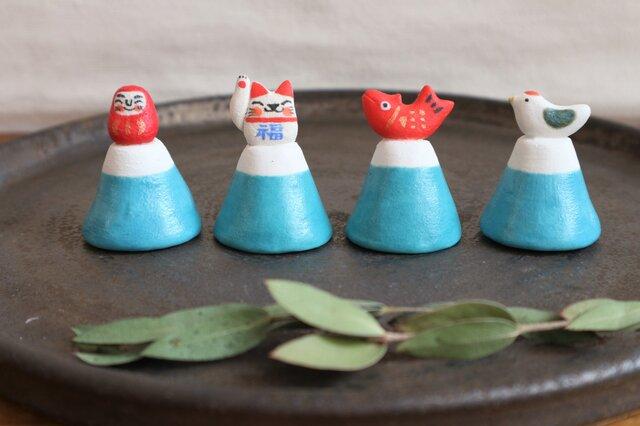 縁起もの on 富士山 〈 だるま・招き猫・鯛・とり 〉の画像1枚目