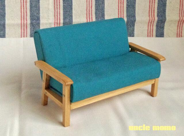 【受注制作】ドール用ソファ2人掛け(色:ブルー×オーク) 1/12ミニチュア家具の画像1枚目