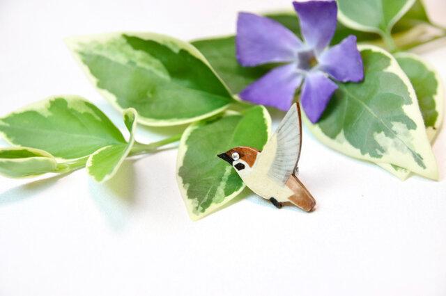 【和紙貼り絵アクセサリー】-スズメのピンブローチの画像1枚目