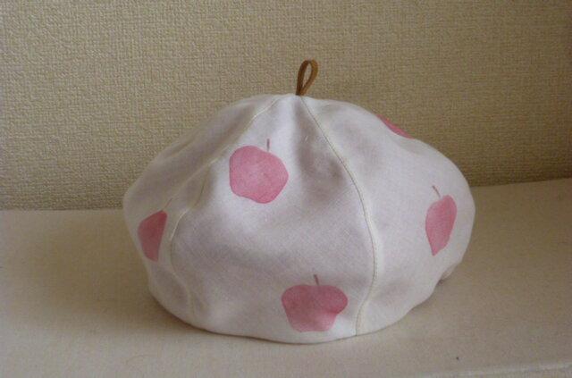 リンゴ柄のベレー帽の画像1枚目