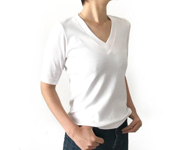 形にこだわった 大人のVネックTシャツ【サイズ・色展開有り】の画像1枚目