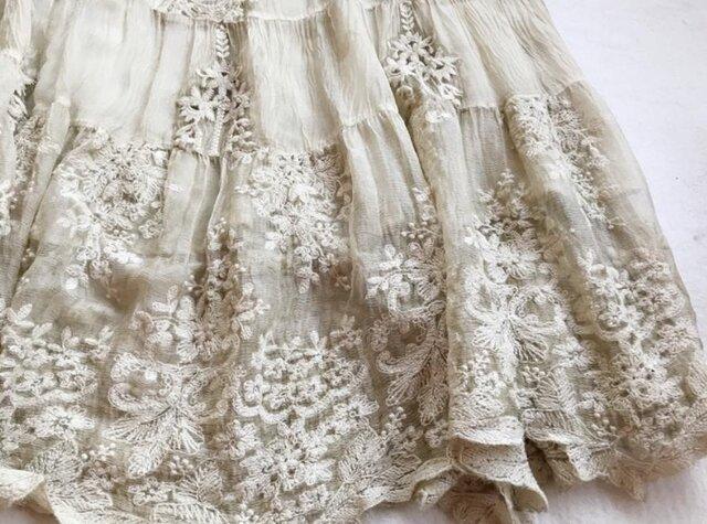 【受注製作】美しい花柄刺繍100%シルクで・ロングスカートシルク の画像1枚目