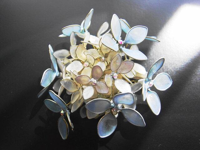 優しい紫陽花(クリップ付ブローチ)の画像1枚目