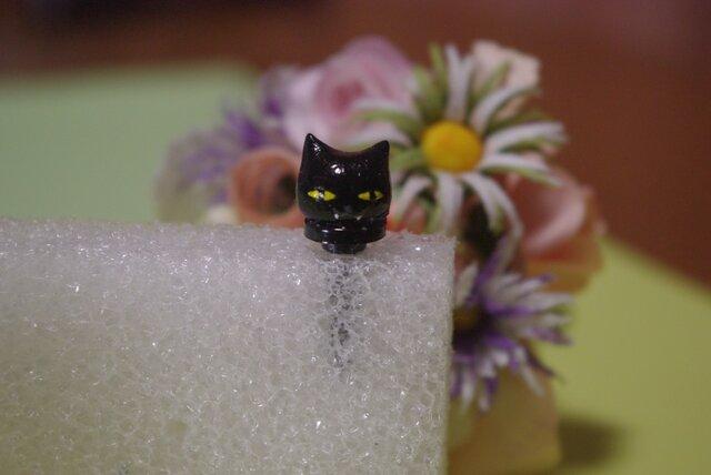 ●オーダー品●黒ネコイヤホンジャックの画像1枚目