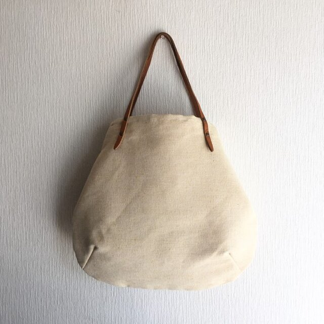 8号コットンジュート(綿麻)と極厚オイルヌメの丸型トートバッグ【オフ×マスタード】の画像1枚目