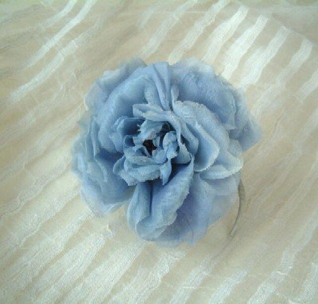 スイス製コットンの薔薇ばら ブルーグレー * コサージュの画像1枚目