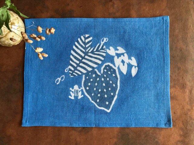 藍棒染めランチョンマット カエルと葉っぱの画像1枚目