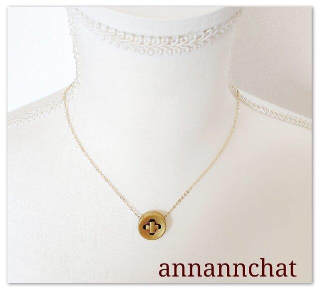 【 丸いボタンの ネックレス】ヨーロッパ製 ゴールド 手作り の画像1枚目