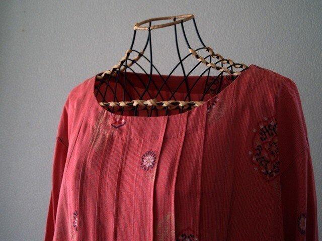 【SALE!】着物リメイク:銘仙柄ピンクのゆったりチュニックの画像1枚目