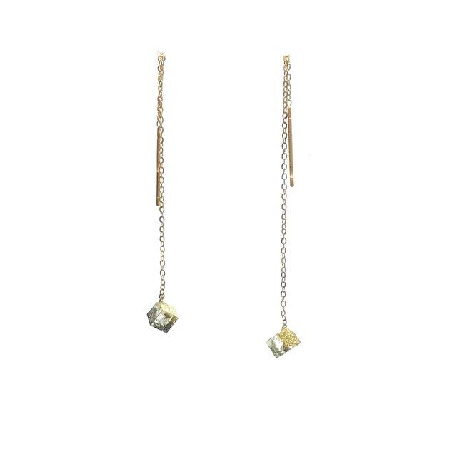チェーンピアス ゴールドスクエアS・Threader Earrings - Gold Square (S)の画像1枚目