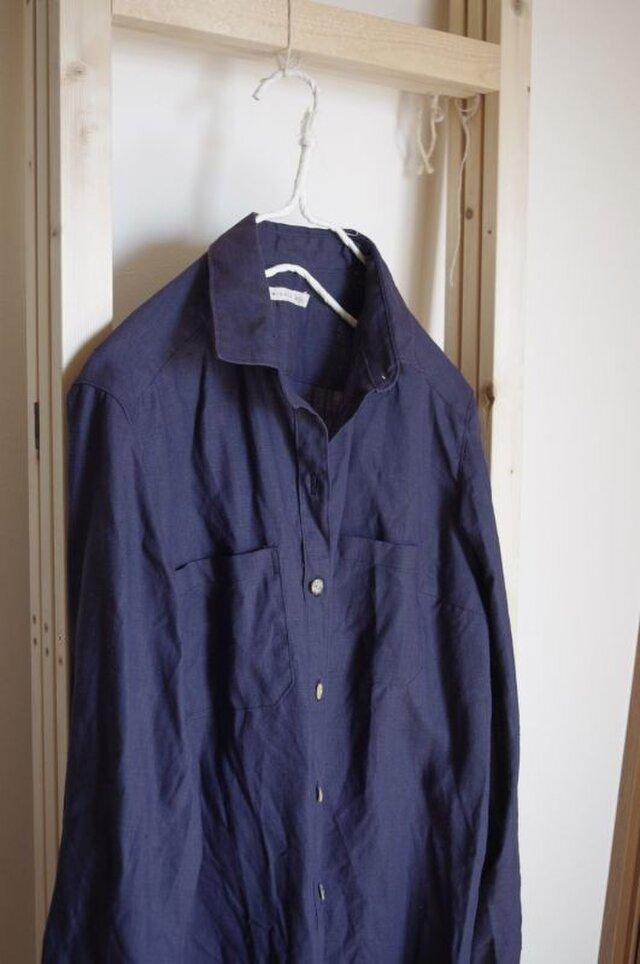 カラーリネンのロングシャツの画像1枚目