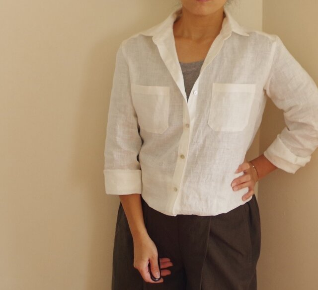 M~LL 白いリネンのレギュラーシャツの画像1枚目