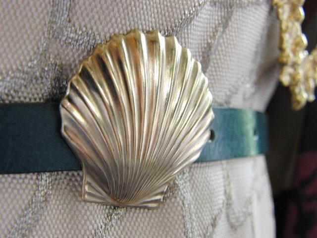 真鍮ブラス製 シェル/貝殻型帯留め 着物浴衣の帯締めの飾り・ブレスやチョーカー飾りにの画像1枚目