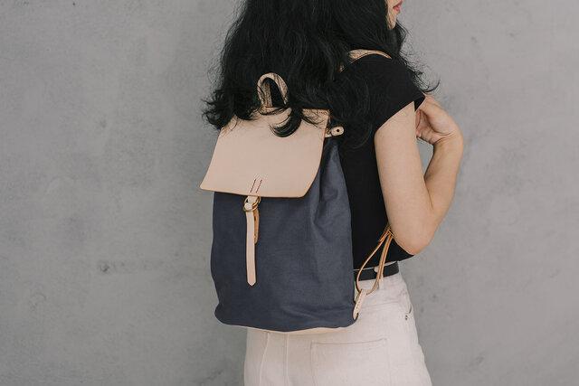 「帆布×革の組み合わせ」手作りのリュック レディース バッグ かわいい フラップリュックサックおしゃれ リュックの画像1枚目