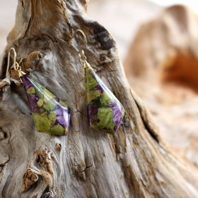 Stichtite earrings スティヒタイト(アトランティサイト)のピアス/イヤリング 14KGFの画像1枚目