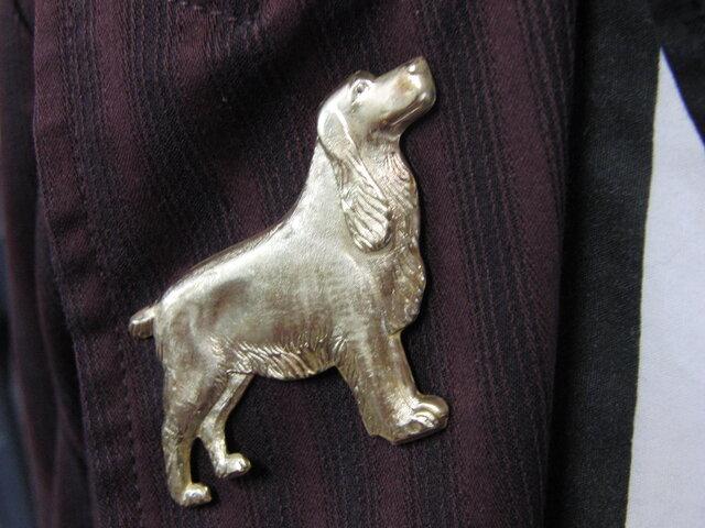 真鍮ブラス製 ゴールデンレトリバー犬型ピンズブローチ 結婚式・成人式などシャツ・ジャケットや帽子・バッグのワンポイントにの画像1枚目