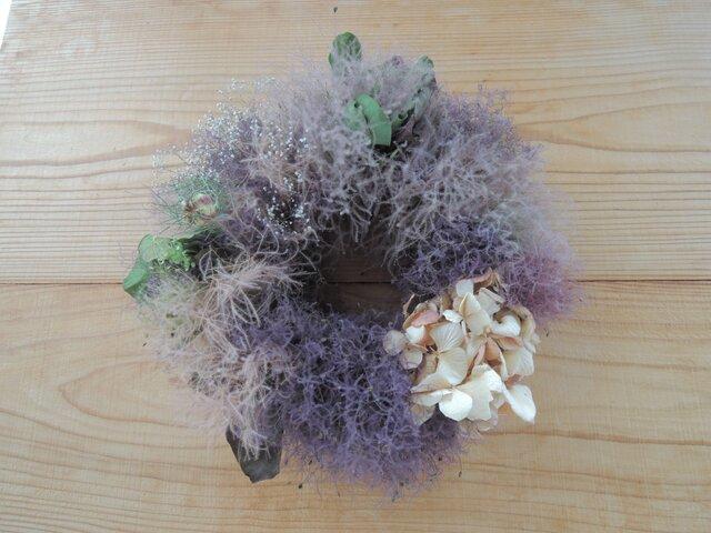 煙と紫陽花のリースの画像1枚目