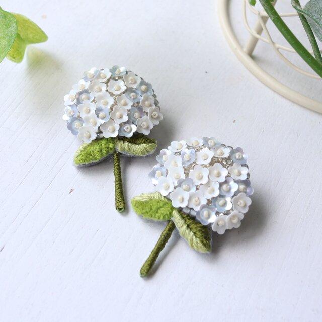 <再販>可憐なお花が咲き乱れるオートクチュール刺繍の紫陽花ブローチ、shiraishiさんの画像1枚目
