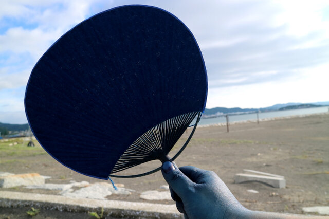 房総の海風を送る:藍染房州うちわの画像1枚目