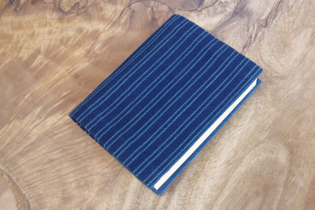 藍色手織り しましまブックカバー④ 栞無し 文庫本サイズ(サイズ一定) の画像1枚目