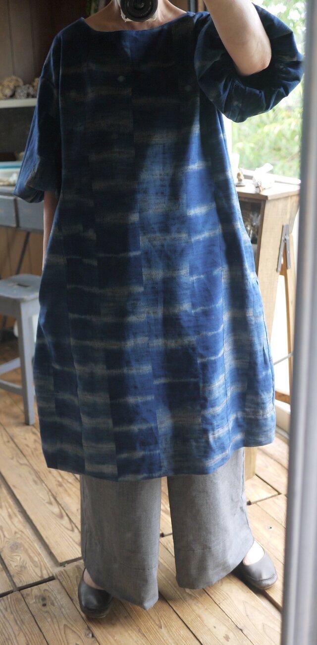 久留米絣暈し藍染バルーン袖ワンピースの画像1枚目
