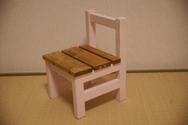 椅子の画像1枚目
