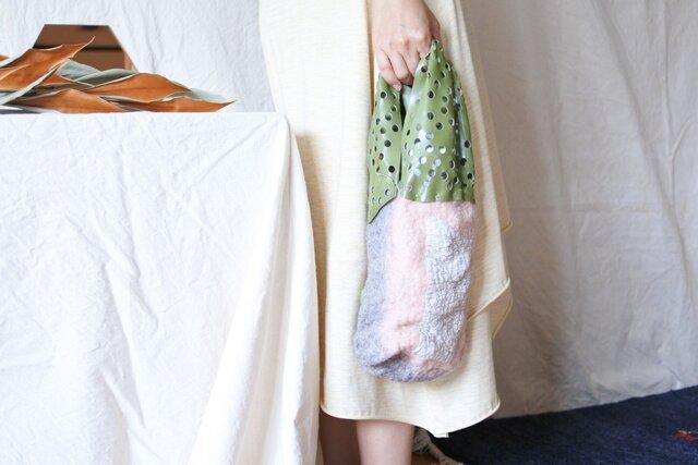 bag 【peanuts】〜feltと革のミニバッグ〜 ピンク×グレーの画像1枚目
