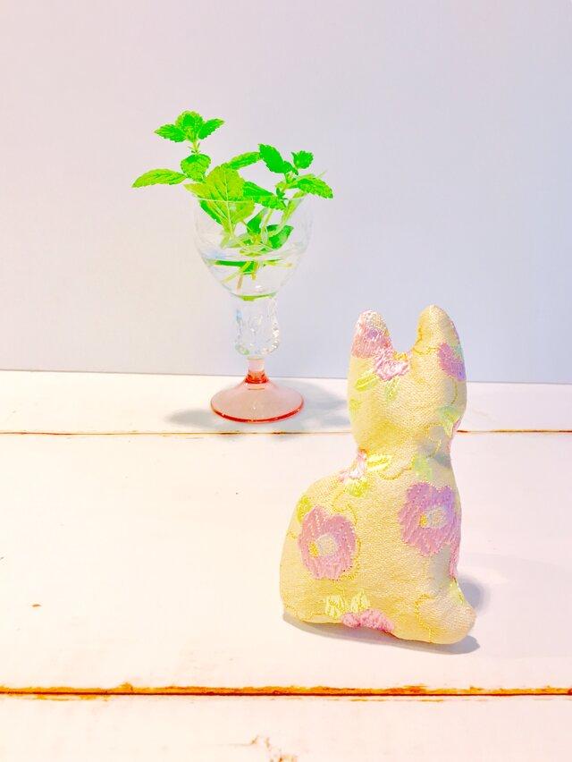 祈りの匂い袋〜香りむすび〜にゃん香 淡黄色 椿の画像1枚目