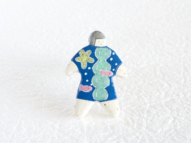 オヨヨちゃんブローチ(海とさかなの夢)【受注制作】の画像1枚目