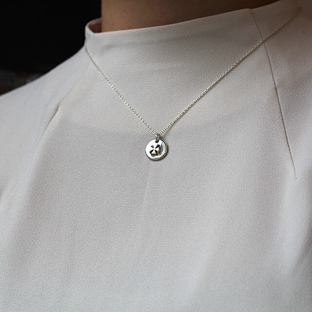 針突小銭首飾マンダマーナ(四弁花紋) rp-79の画像1枚目
