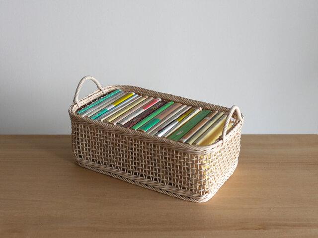 四角いバスケット・文庫本の入るかごの画像1枚目