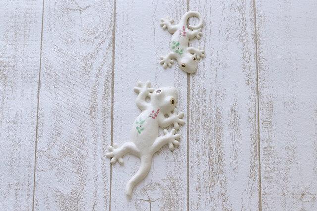 家守(ヤモリ)壁飾りセット おもいやり ピンクの小花の画像1枚目