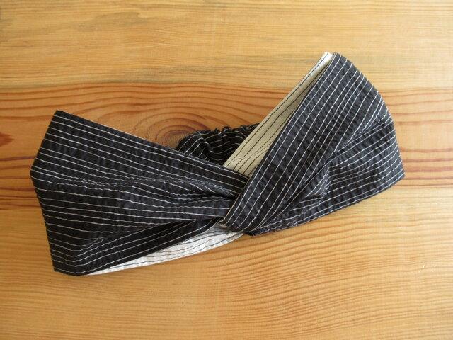 ねじりヘアバンド(幅広タイプ) 黒に白のボーダー 一点物の画像1枚目