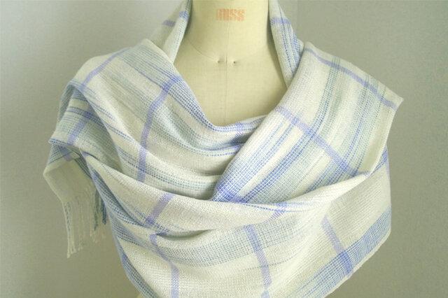 手織り 段染め糸(白、ブルー、グリーン)の広巾ショールの画像1枚目