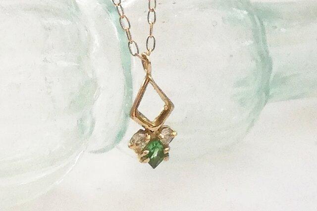 グリューン K18xグリーンガーネット・ダイヤモンドの画像1枚目