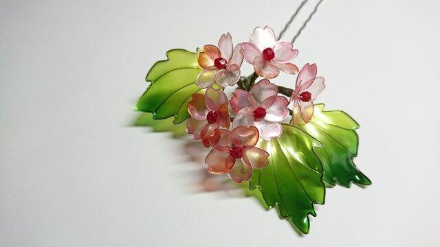 桜の髪飾りの画像1枚目