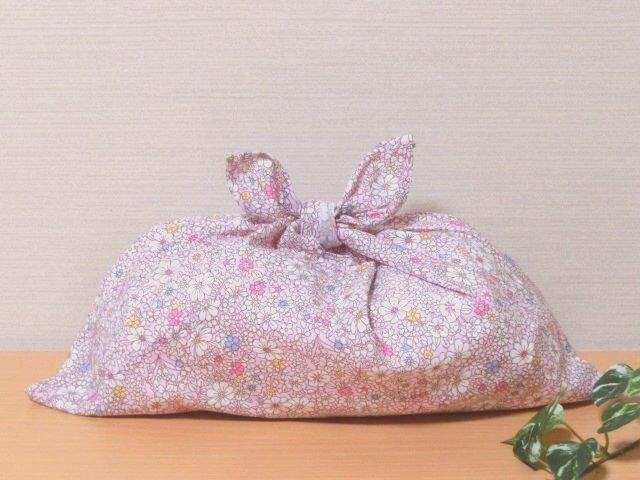 あずま袋 (中サイズ)ピンク色 オリエンタルな小花柄 プレゼントにも の画像1枚目