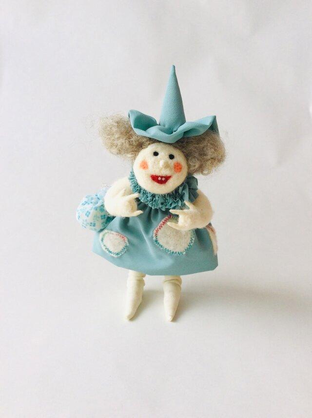 Magie (見習い魔女)  /  フェルト人形の画像1枚目