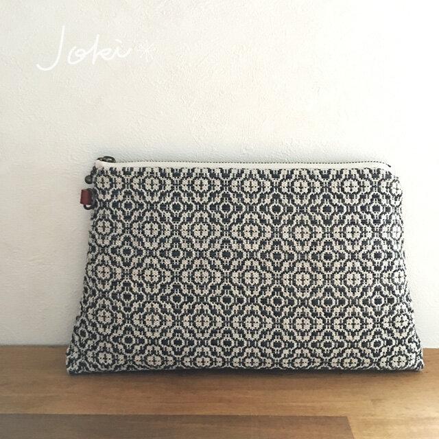 pouch[手織り台形ポーチ] フラワーブラックの画像1枚目