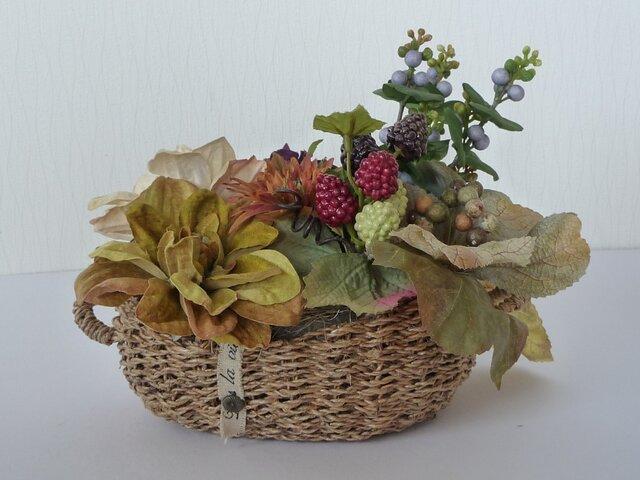 秋色の花かごの画像1枚目